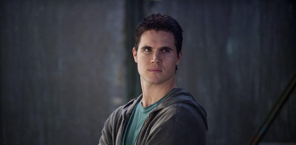 INTERVIEW: What To Expect From Robbie Amell's Upcoming Film 'Code 8'